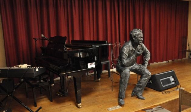 Statue de Brassens par Olivier Delobel